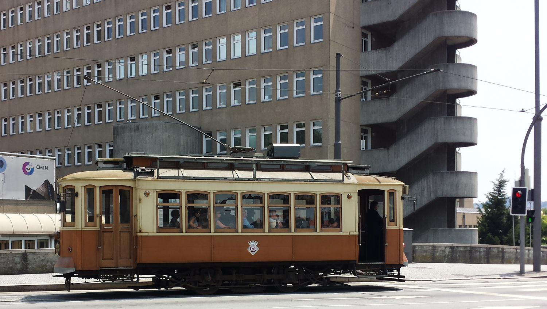 Porto_raitiovaunu_Parasta_matkalla_blogi