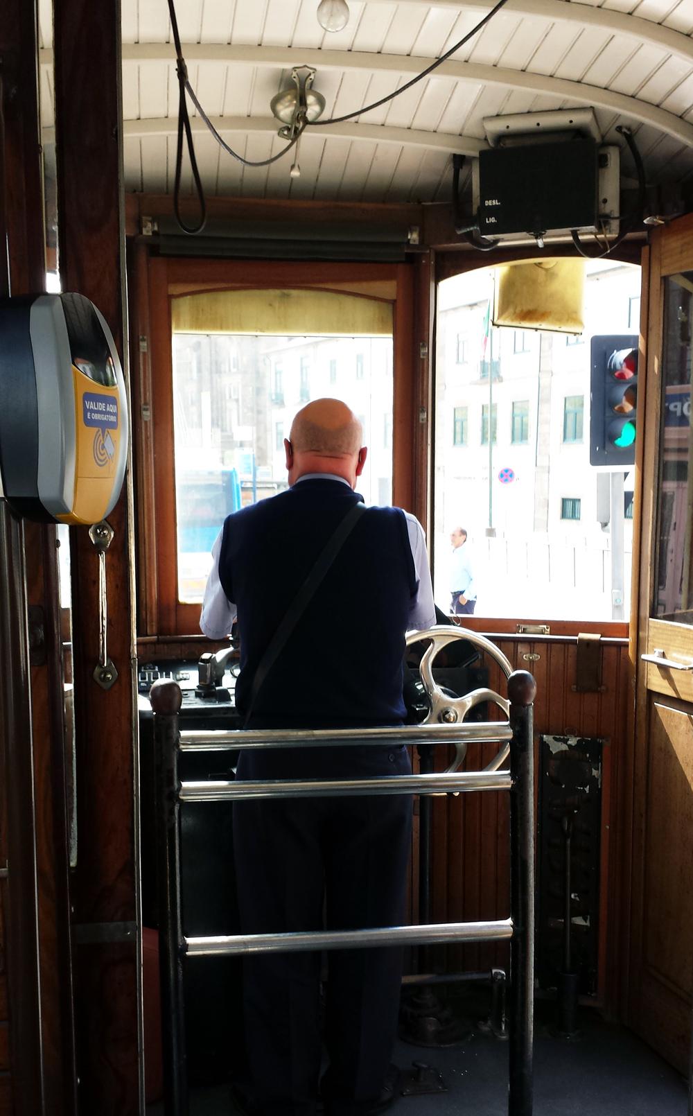 Porto_raitiovaunu_kuljettaja_Parasta_matkalla_blogi